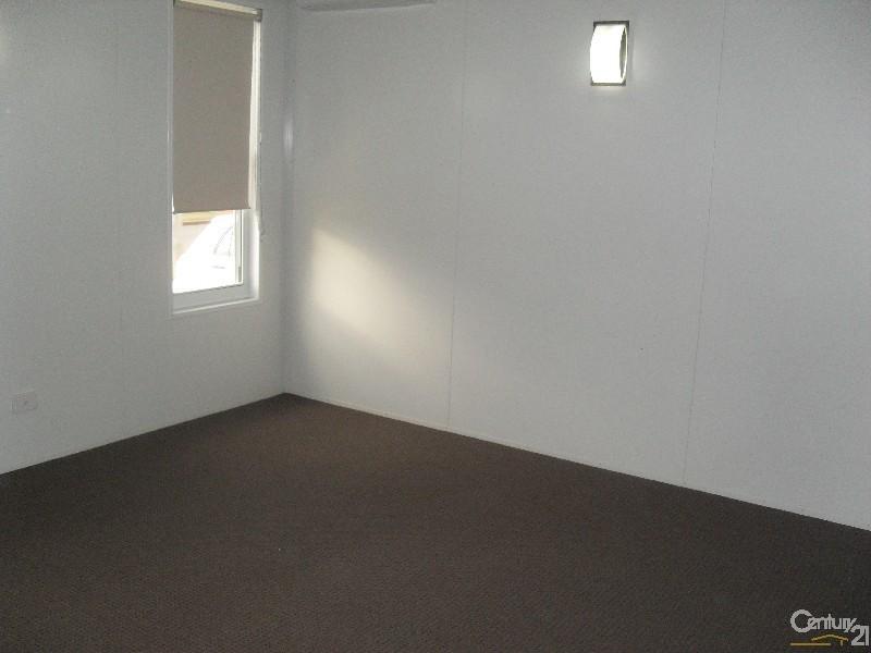 18 Hunter Street, Blackwater QLD 4717