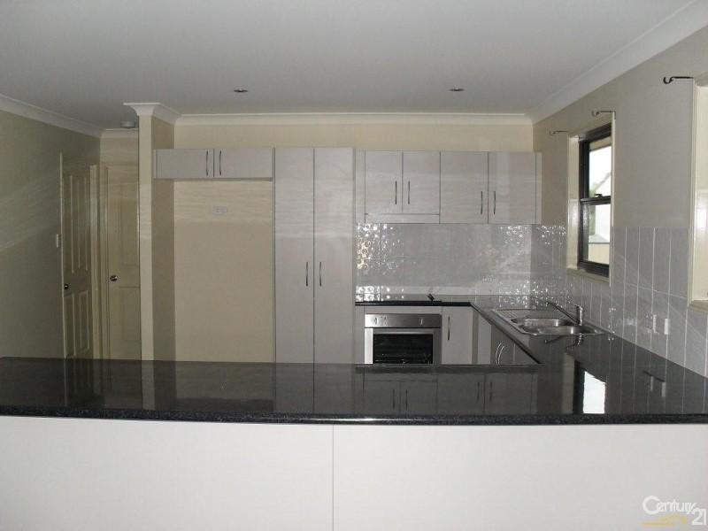 2 Bredhauer Street, Blackwater QLD 4717