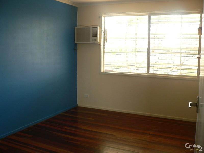 8 Cork Street, Blackwater QLD 4717
