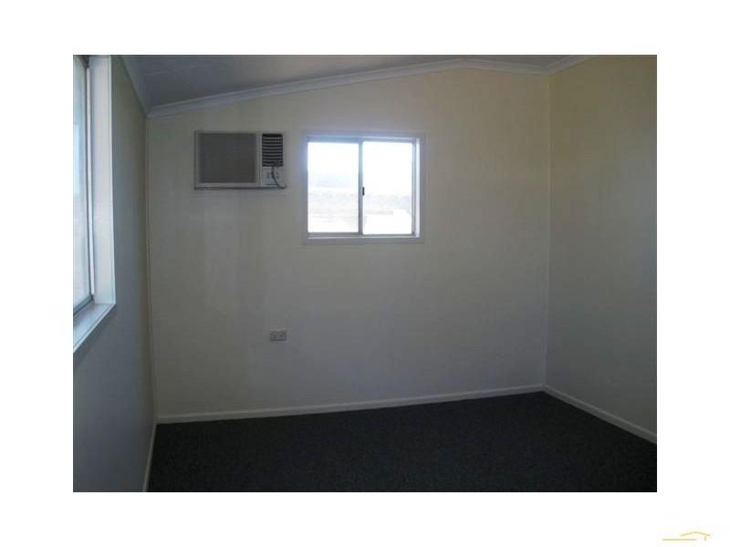 2/1 Umbrella Street, Blackwater QLD 4717