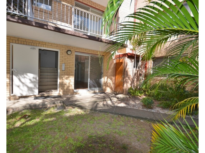 2/203 Scarborough Street, Southport QLD 4215