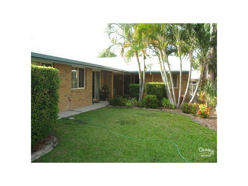 8/4 Don Wright Court, Andergrove QLD 4740