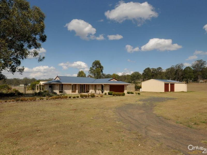 16 Watts Road, Murphys Creek QLD 4352