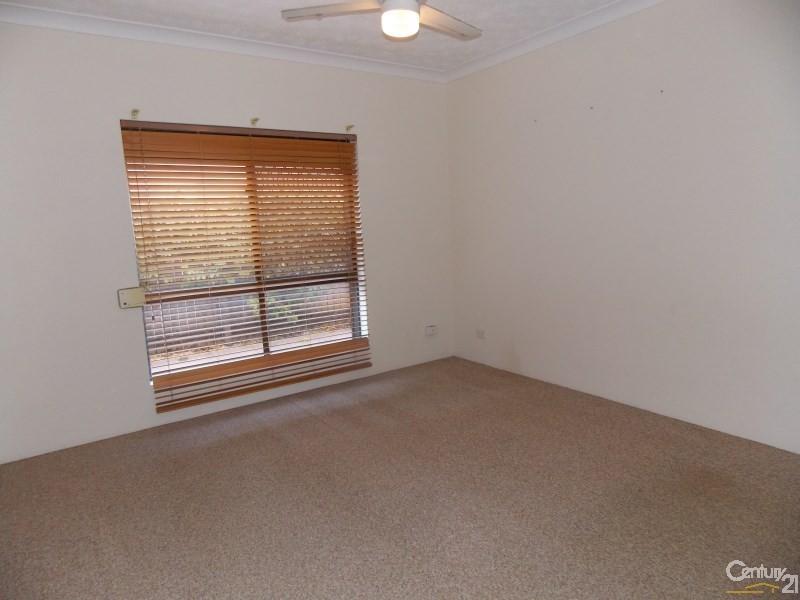 1/28 Bolton Street, Coolangatta QLD 4225