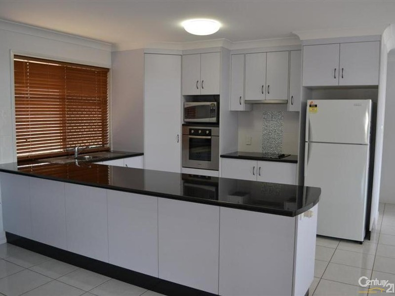 5 Green Avenue, Branyan QLD 4670