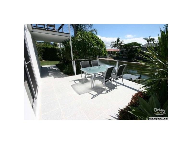 27 Sunshine Blvd, Broadbeach Waters QLD 4218