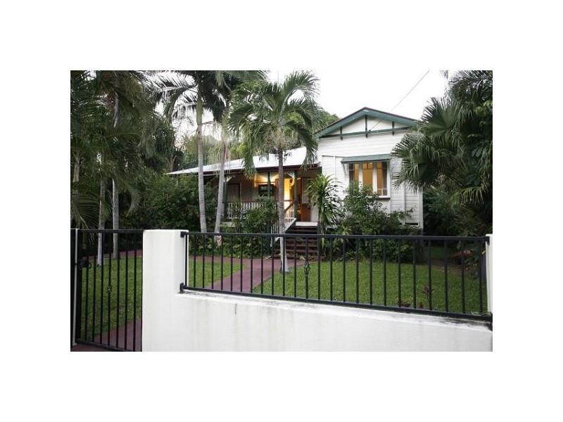 9 The Avenue, Hermit Park QLD 4812