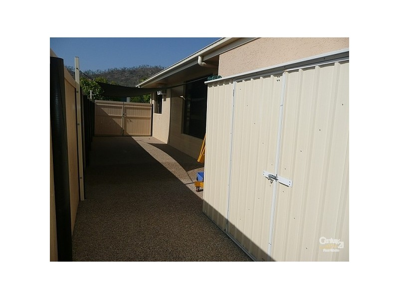 4 Ella Court, Mount Louisa QLD 4814