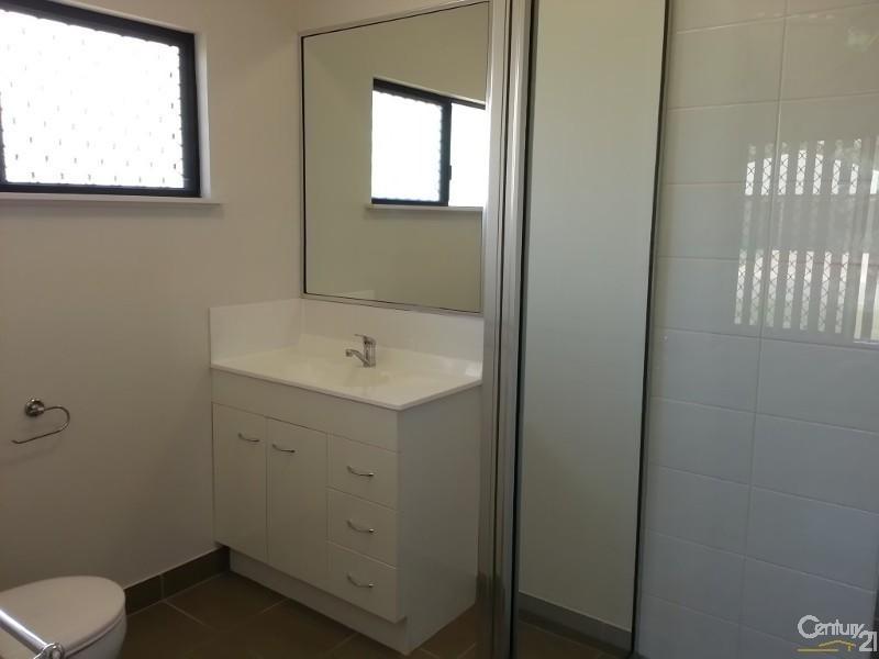 30 Currawinya Court, Bushland Beach QLD 4818