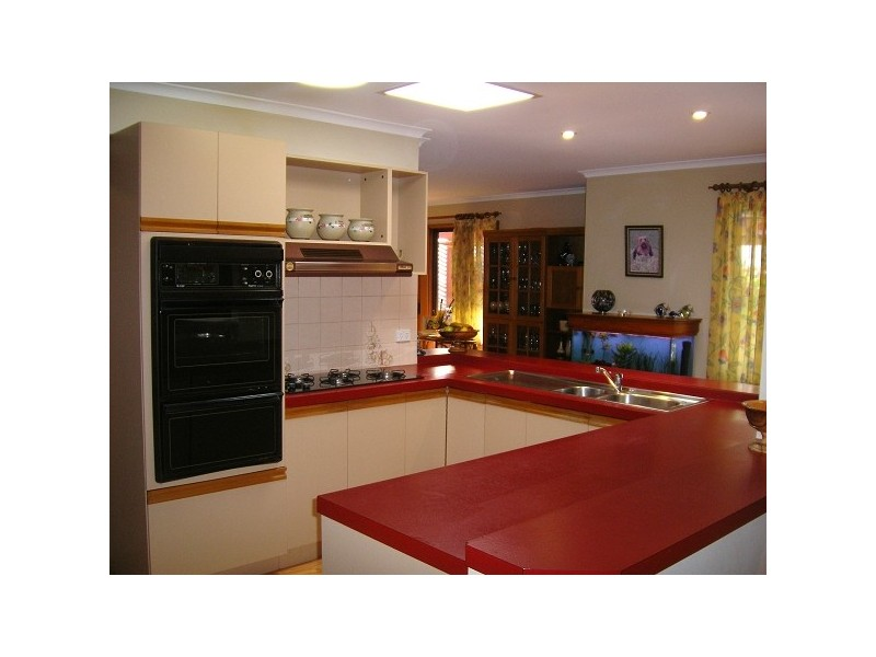 1 Ridgefield Close, Aberfoyle Park SA 5159