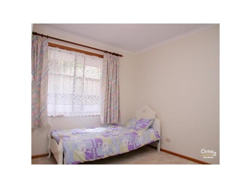 11 Babbacombe Drive, Moana SA 5169