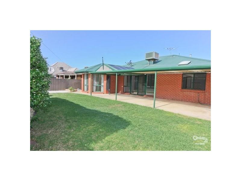 3 Redgate Court, Moana SA 5169