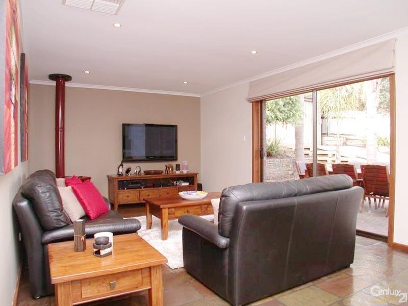 25 Monaro Road, Aberfoyle Park SA 5159