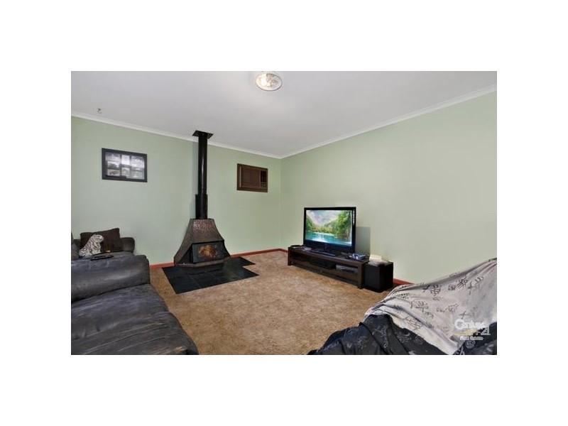 7 Kuantan Drive, Aberfoyle Park SA 5159