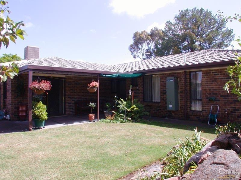 4 Panorama Drive, Aberfoyle Park SA 5159