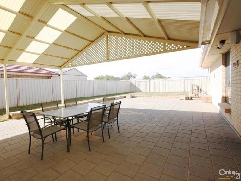 31 Cockle Ave, Aldinga Beach SA 5173