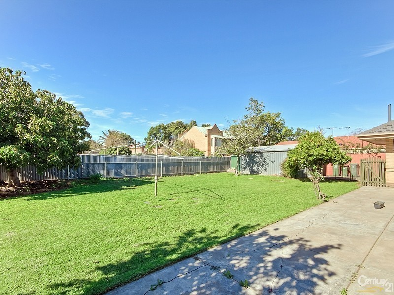 13 Winifred Avenue, Glandore SA 5037