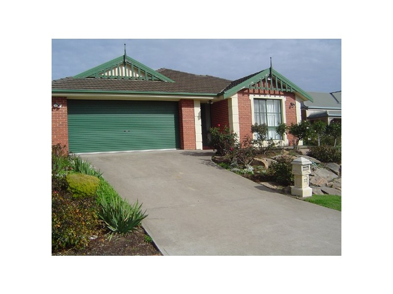 22 Gleneagles Road, Aberfoyle Park SA 5159