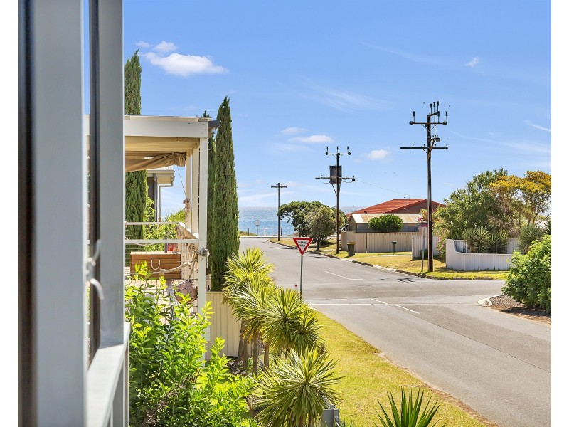 4 Thomas Street, Aldinga Beach SA 5173
