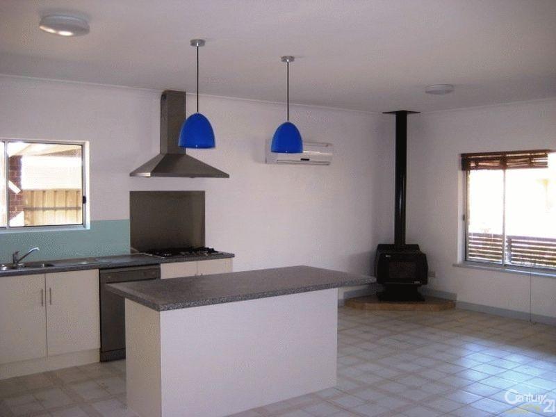 15 Whinnerah Avenue, Aldinga Beach SA 5173