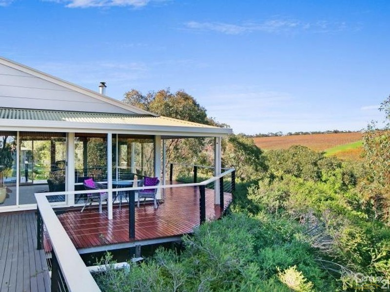 174 Upper Penneys Hill Rd, Onkaparinga Hills SA 5163