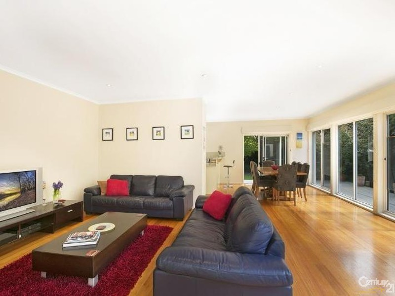 23 Charman Road, Beaumaris VIC 3193