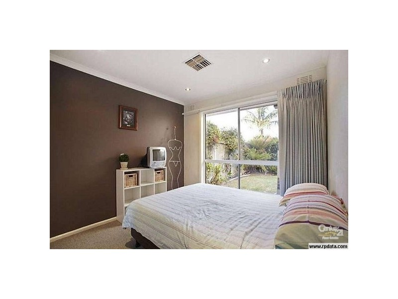 16 Belmar Avenue, Altona VIC 3018