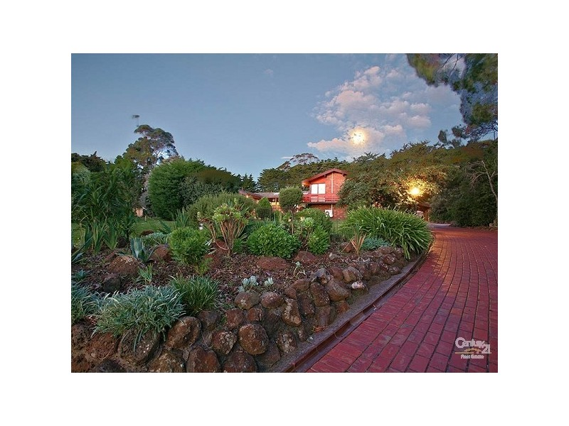 8 Livingstone Court, Mount Eliza VIC 3930