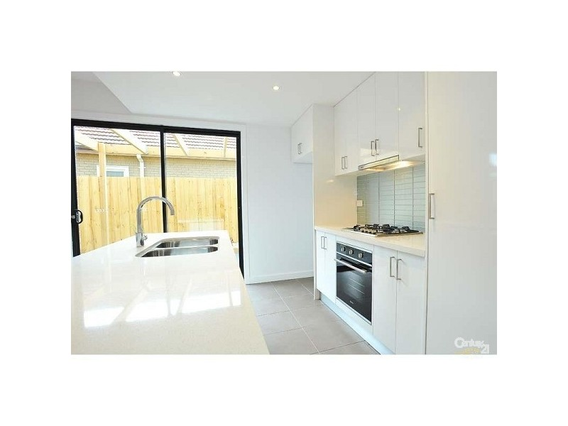 20a STAPLEY CRS, Altona North VIC 3025