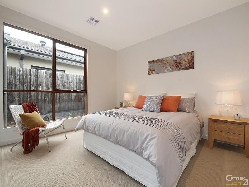 1/15 Dickens Street, Bentleigh VIC 3204