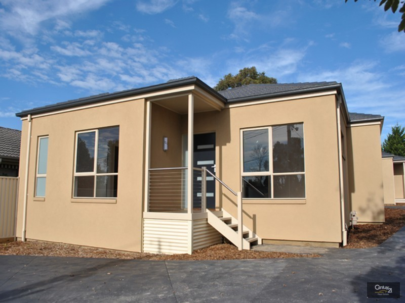 1/9 Slingsby Avenue,, Beaconsfield VIC 3807