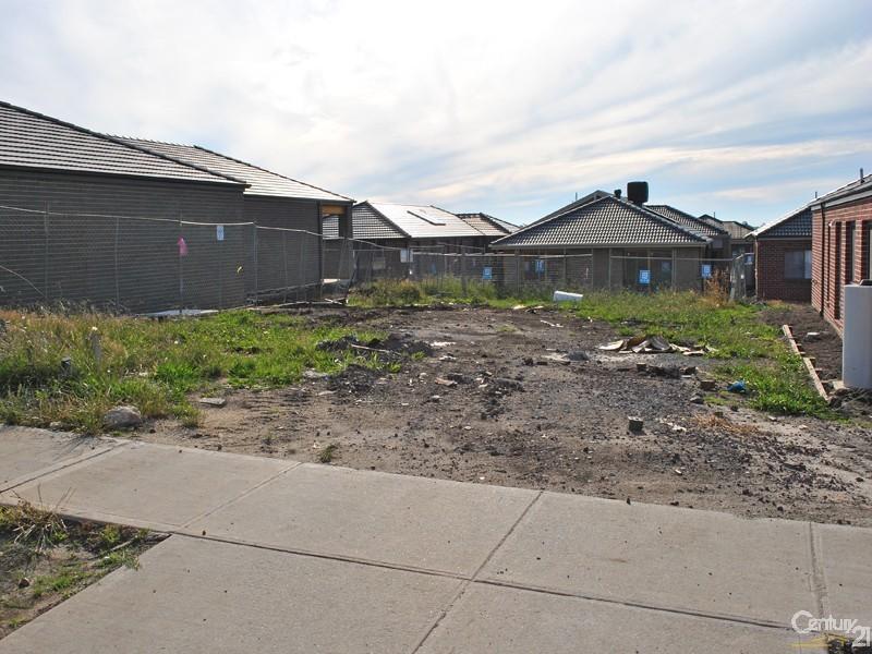 43 Merritt Avenue, Cranbourne West VIC 3977