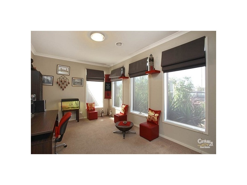 22 Gippsland way, Craigieburn VIC 3064