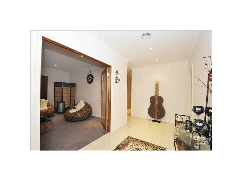 70 Kinglake Crescent, Craigieburn VIC 3064