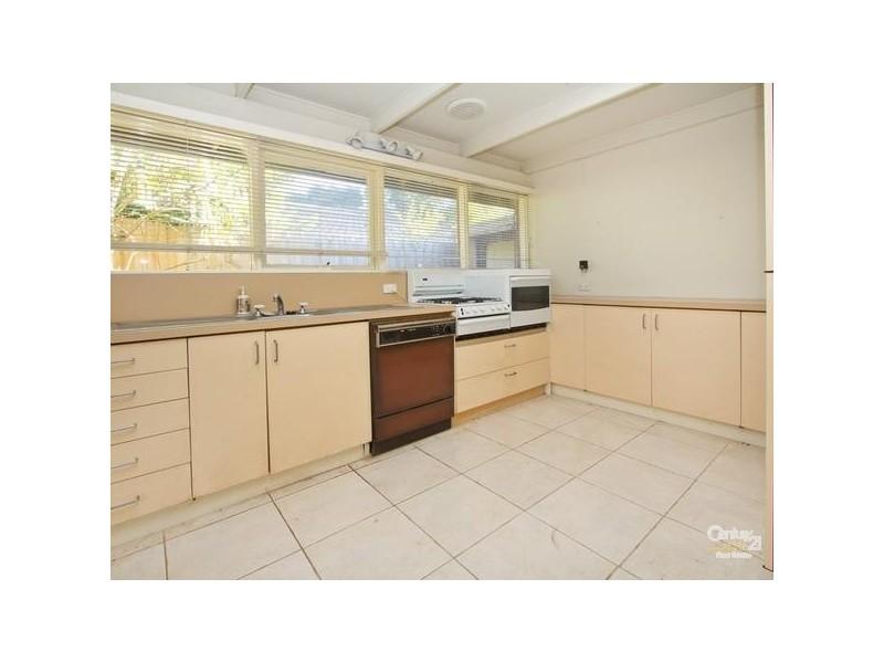 12 Camborne Avenue, Mount Eliza VIC 3930