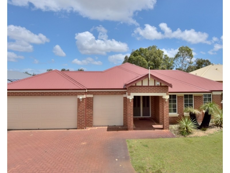 12 Kentchurch Bend, The Vines WA 6069