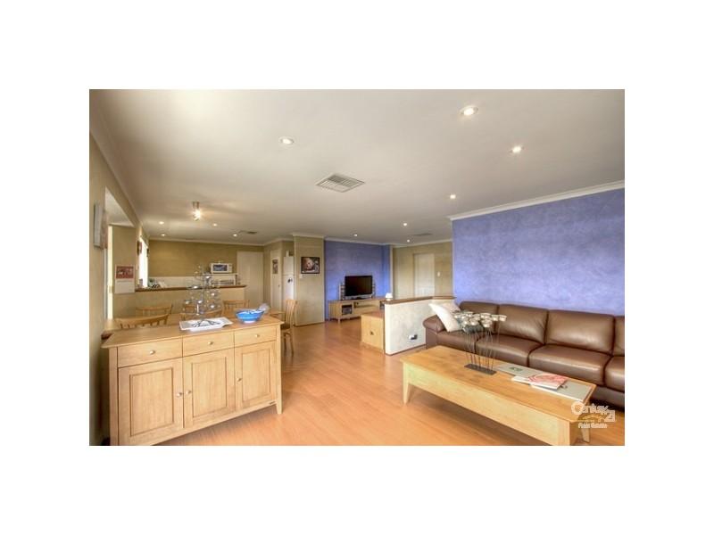 17 Lambertia Crescent, High Wycombe WA 6057