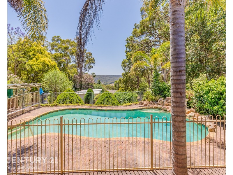 29 Baden Road, Bickley WA 6076