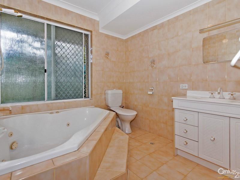Willetton wa 6155 century 21 greenborough realty withdrawn for Bathroom d willetton