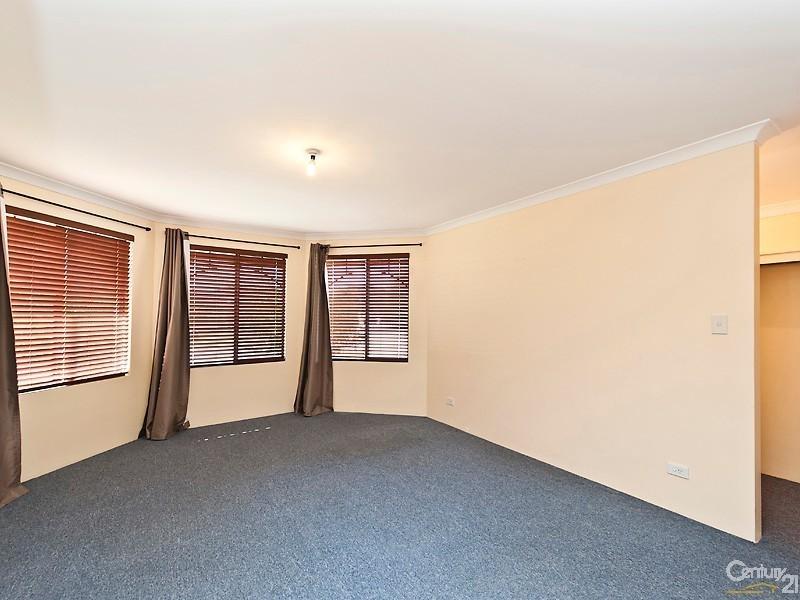 4 Beefwood Street, Banksia Grove WA 6031