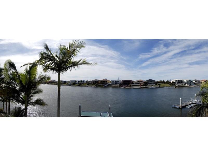 1,2,4 Witt Avenue, Broadbeach Waters QLD 4218