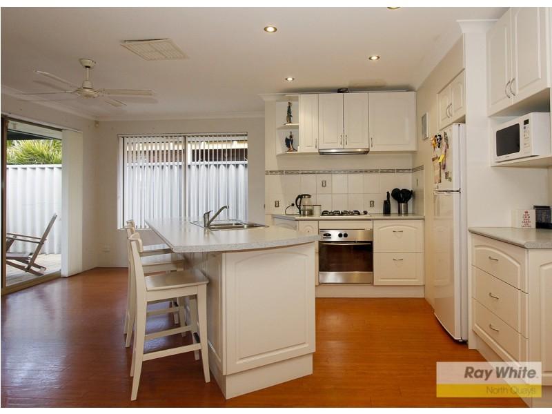 28 Derbi Rd, Alexander Heights WA 6064