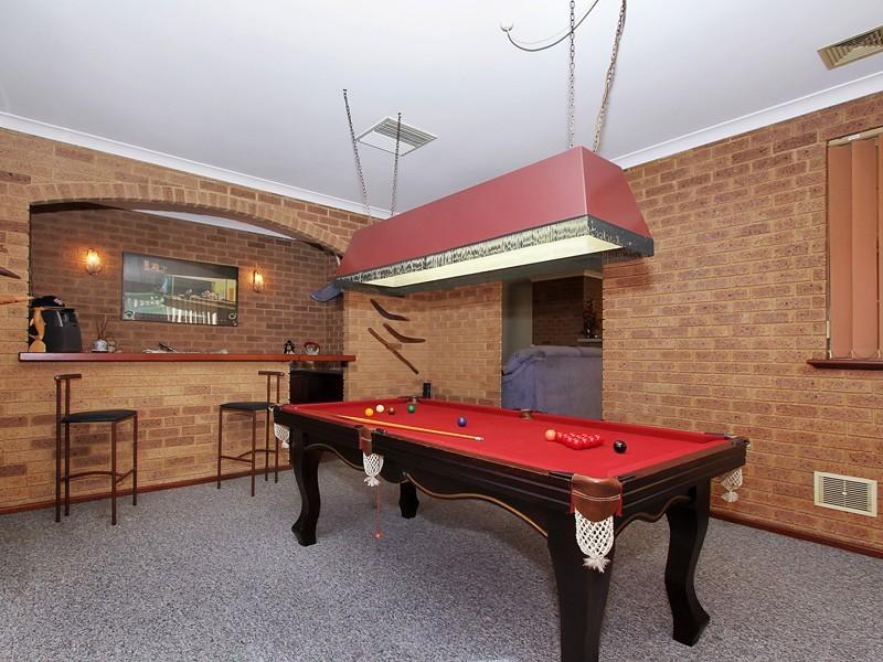 8 Ellara Court, Alexander Heights WA 6064