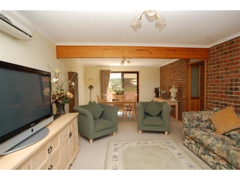 10 Grevillea Road, Aberfoyle Park SA 5159