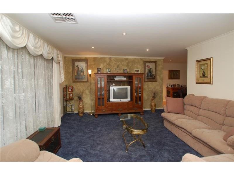 20 Sandler Grove, Aberfoyle Park SA 5159