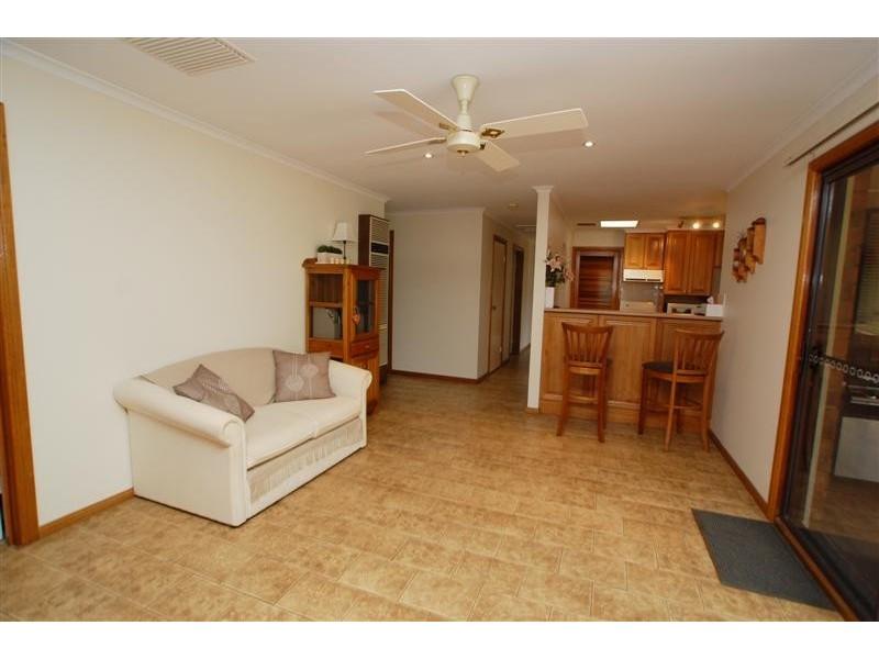 8 Corro Street, Aberfoyle Park SA 5159