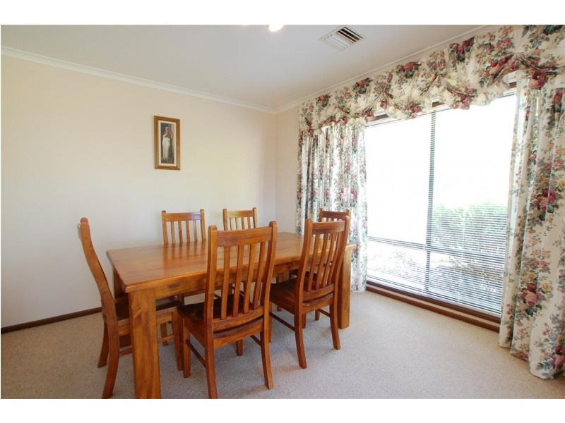 2 St Vincent Close, Aberfoyle Park SA 5159