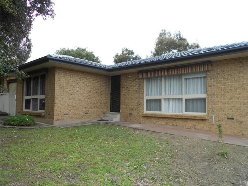 11 Medina Street, Aberfoyle Park SA 5159