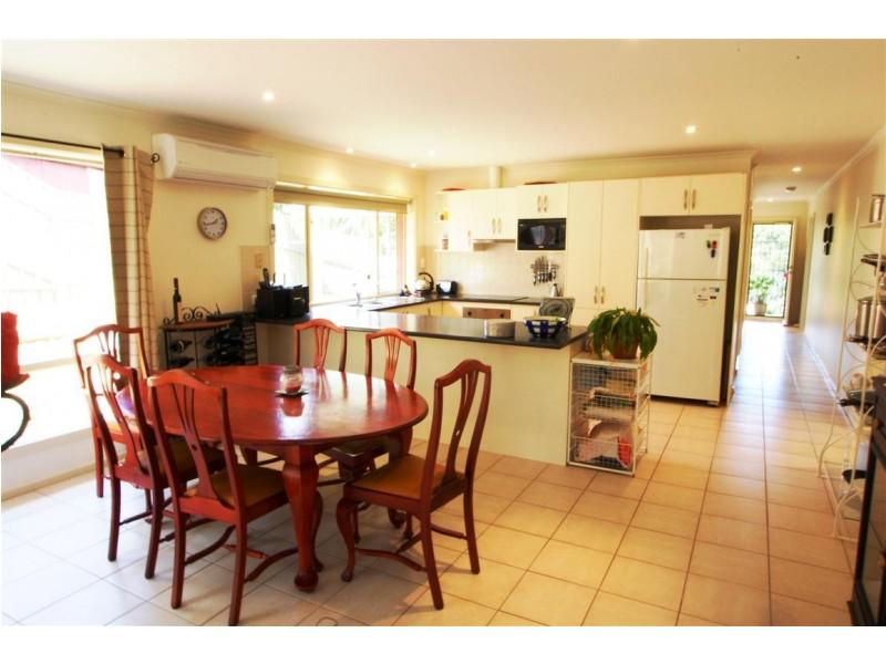 2 Ridge Place, Aberfoyle Park SA 5159