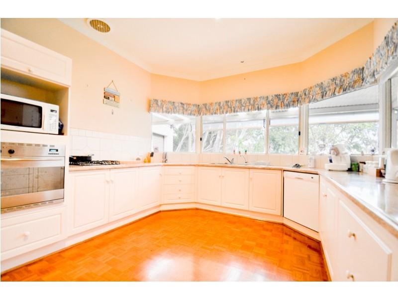 17 Margaret Cutten Grove, Aberfoyle Park SA 5159